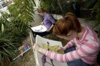 Student draw plants.