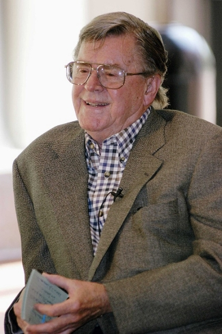 Earl Hamner, creator of the Waltons, talks to students in a CCM master class.