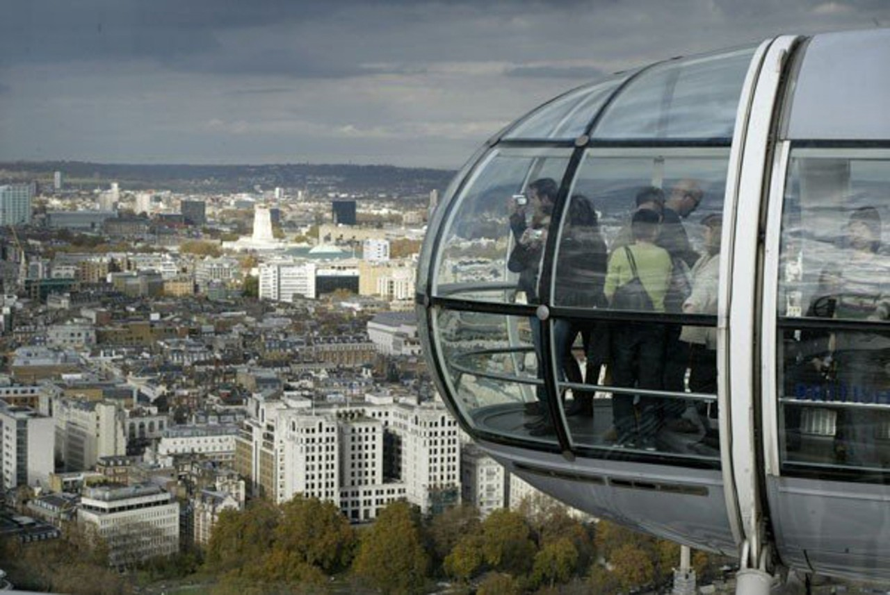 The London Eye gives visitors a sweeping view of the city. (Andrew Higley/UC Creative Services)