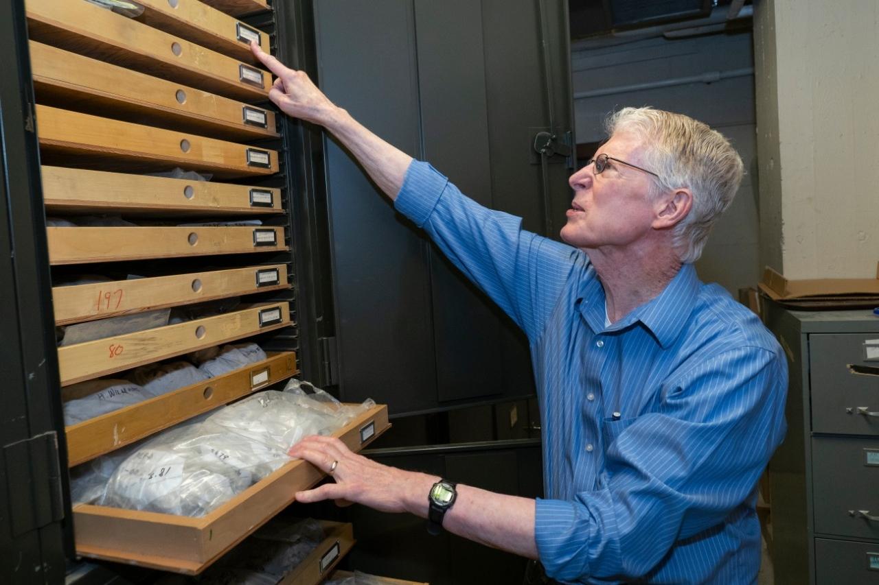 Warren Huff spent much of his career studying K-bentonites, telltale minerals left behind by the eruption of volcanoes.