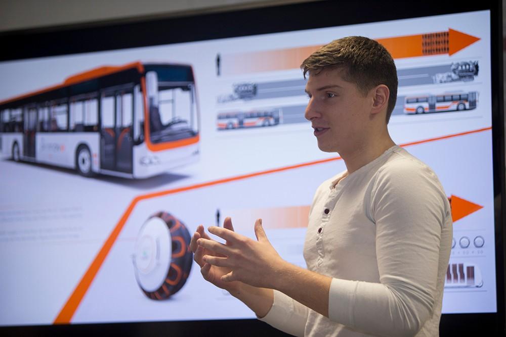 DAAP transportation design student John Piper presents his award-winning autonomous tire concepts for Hankook Tire.