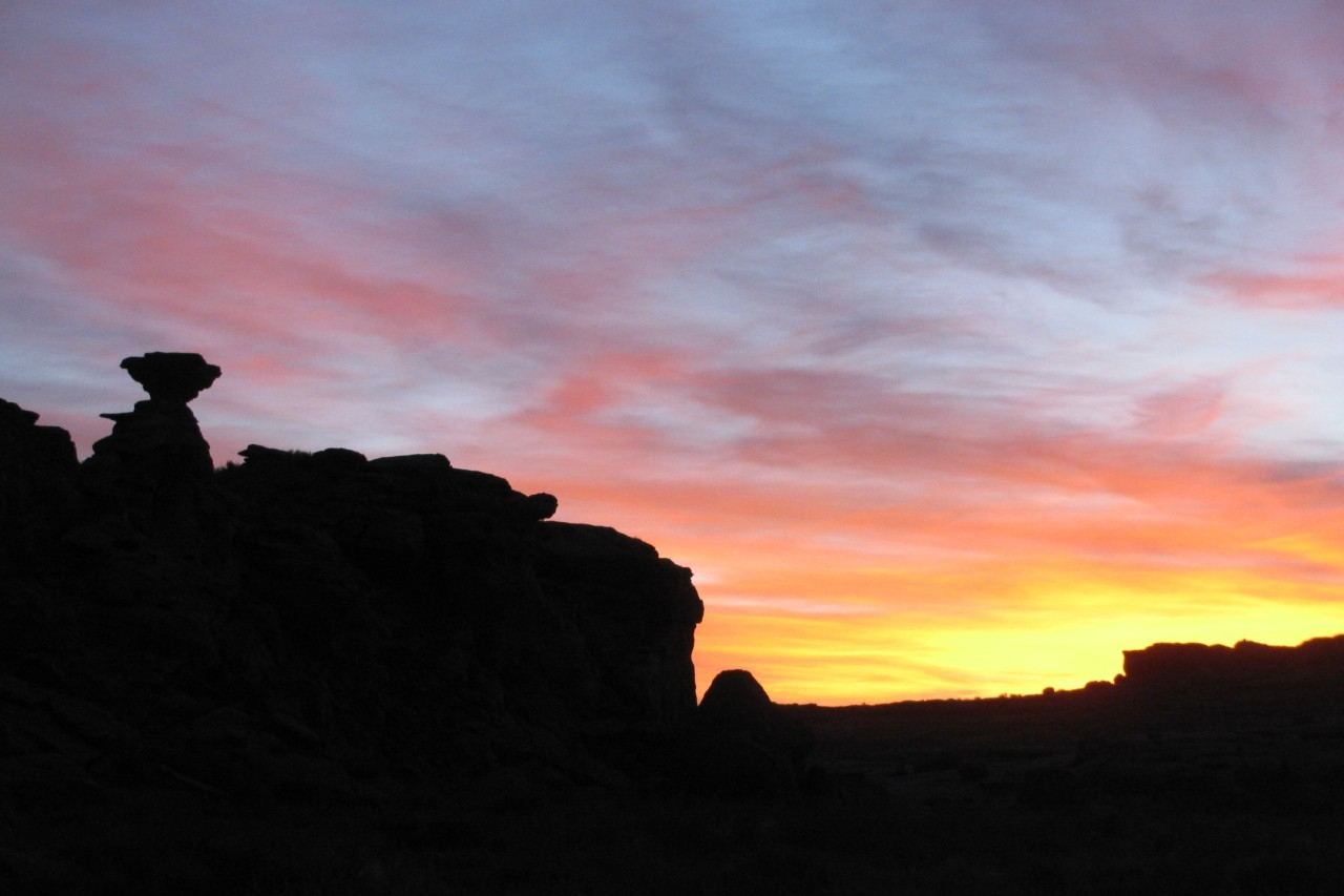 The sun rises over Chaco Canyon's mesas. (Nicholas Dunning)
