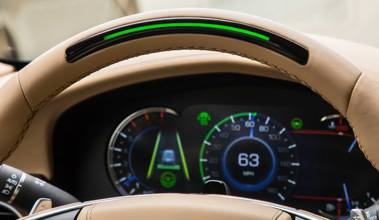 Cadillac's CT6 features a light bar on the steering wheel that tells the driver when the Super Cruise automation system is engaged. (Photo by Cadillac)