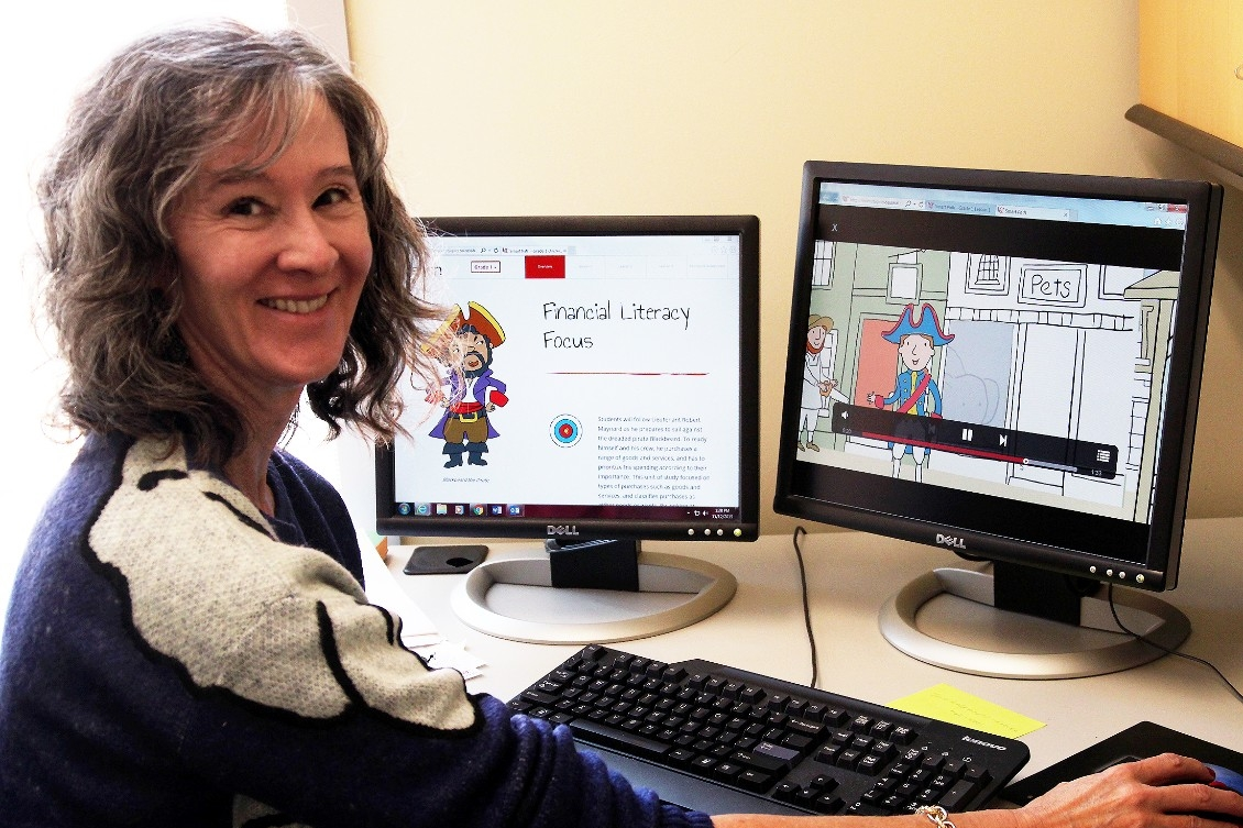 Julie Heath at computer