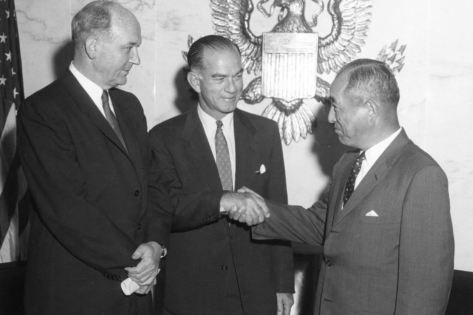 left to right: U.S. Secretary of State Dean Rusk, Sen. J. William Fulbright, Japanese Ambassador to the U.S. (Embassy of Japan in the USA) Koichiro Asakai, August 25, 1961. photo/courtesy Fulbright Facebook