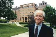 Architect Michael Graves in front of the University of Cincinnati's Engineering Research Center.