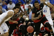 University of Cincinnati Bearcats basketball team take on the UK Wildcats
