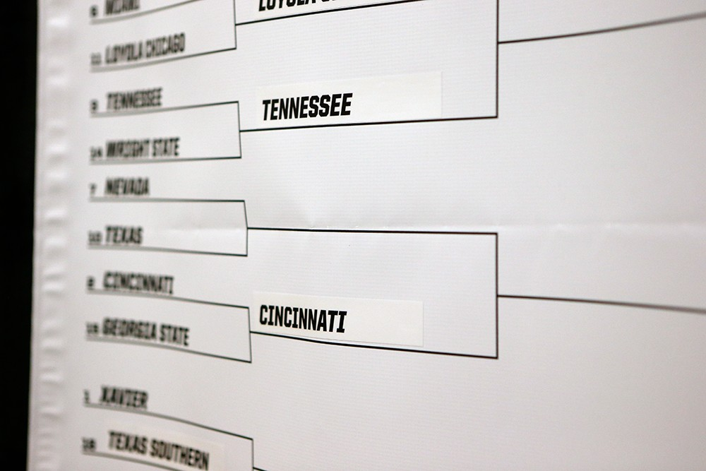 The NCAA bracket, with Cincinnati displayed as having advanced to the round of 32.