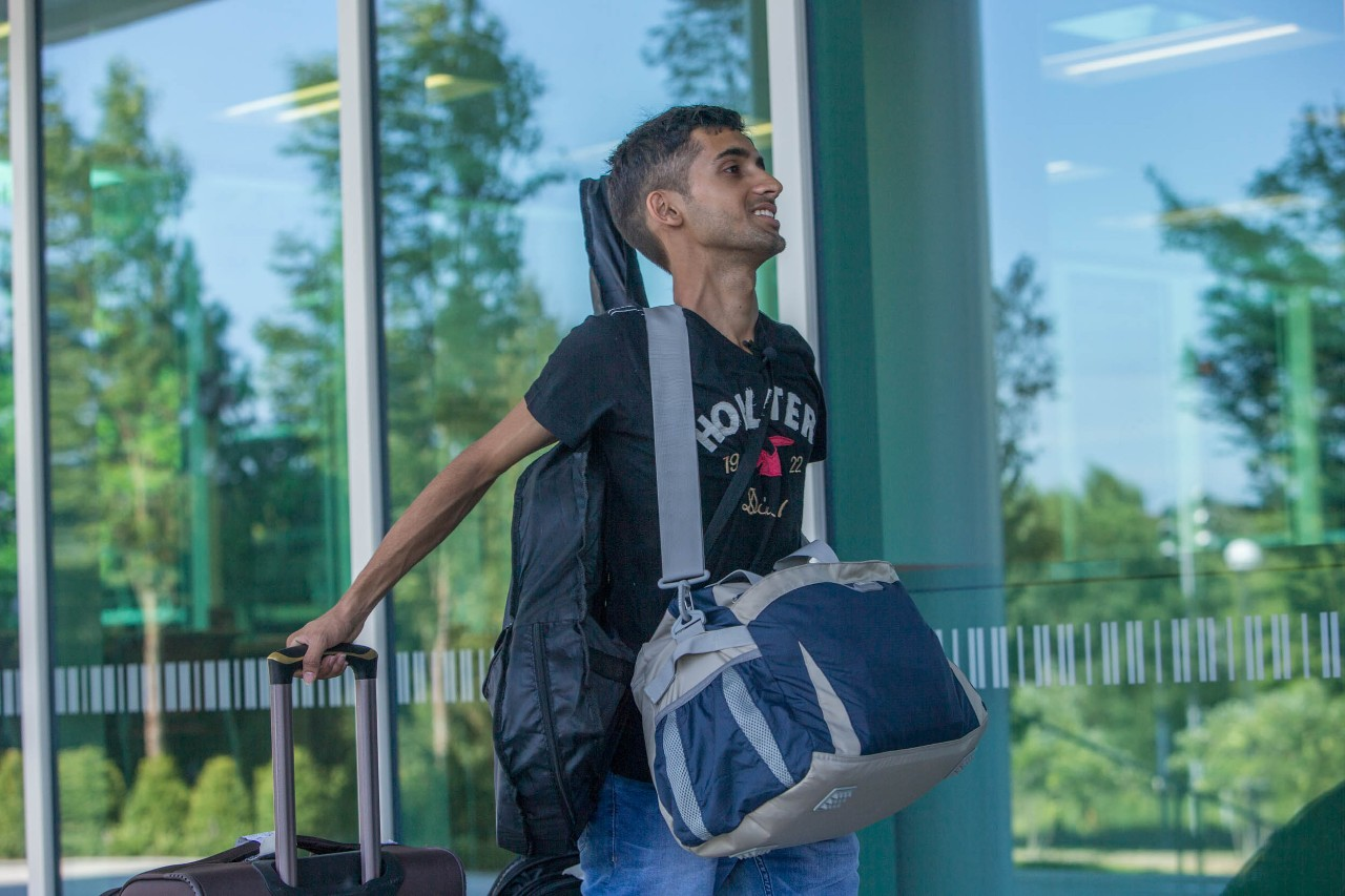 Sudarshan Pandey moves into Scioto Hall before classes start in August. Photo/Andrew Higley/UC Creative Services