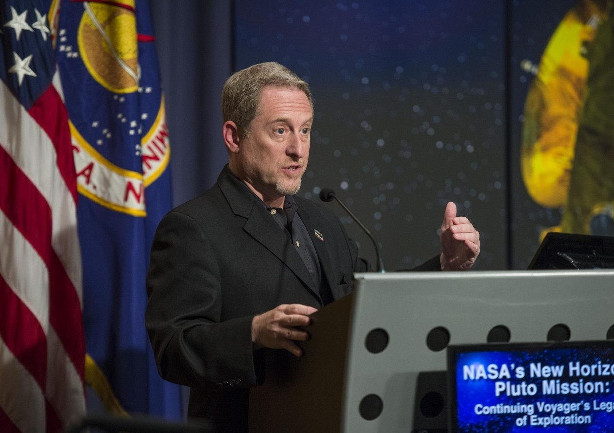 Alan Stern, principal investigator for New Horizons, talks about the project in this 2014 file photo. (NASA/Joel Kowsky)
