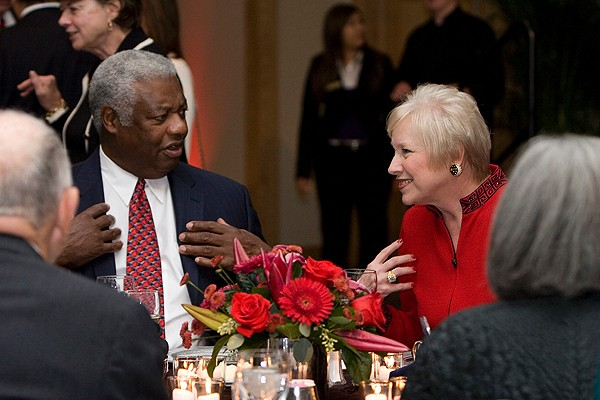 Basketball legend and former Bearcat Oscar Robertson talks with Dr. Zimpher during the UC Foundation's George Rieveschl Jr. Dinner.