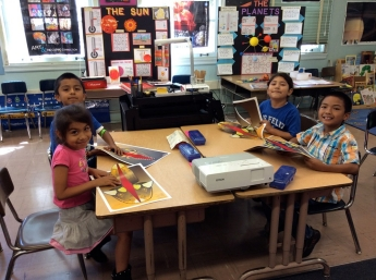 first grade students creating Snappets