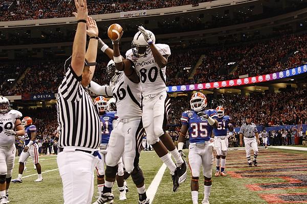 Binns celebrates his touchdown.