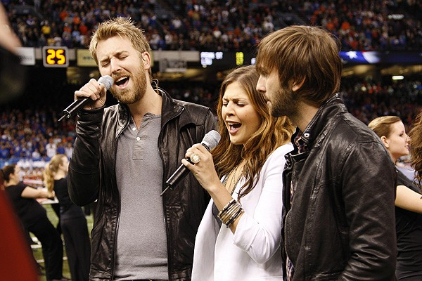 Lady Antebellum sings the ''Star-Spangled Banner'' to kick things off.