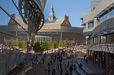 The busy MainStreet of the University of Cincinnati campus.