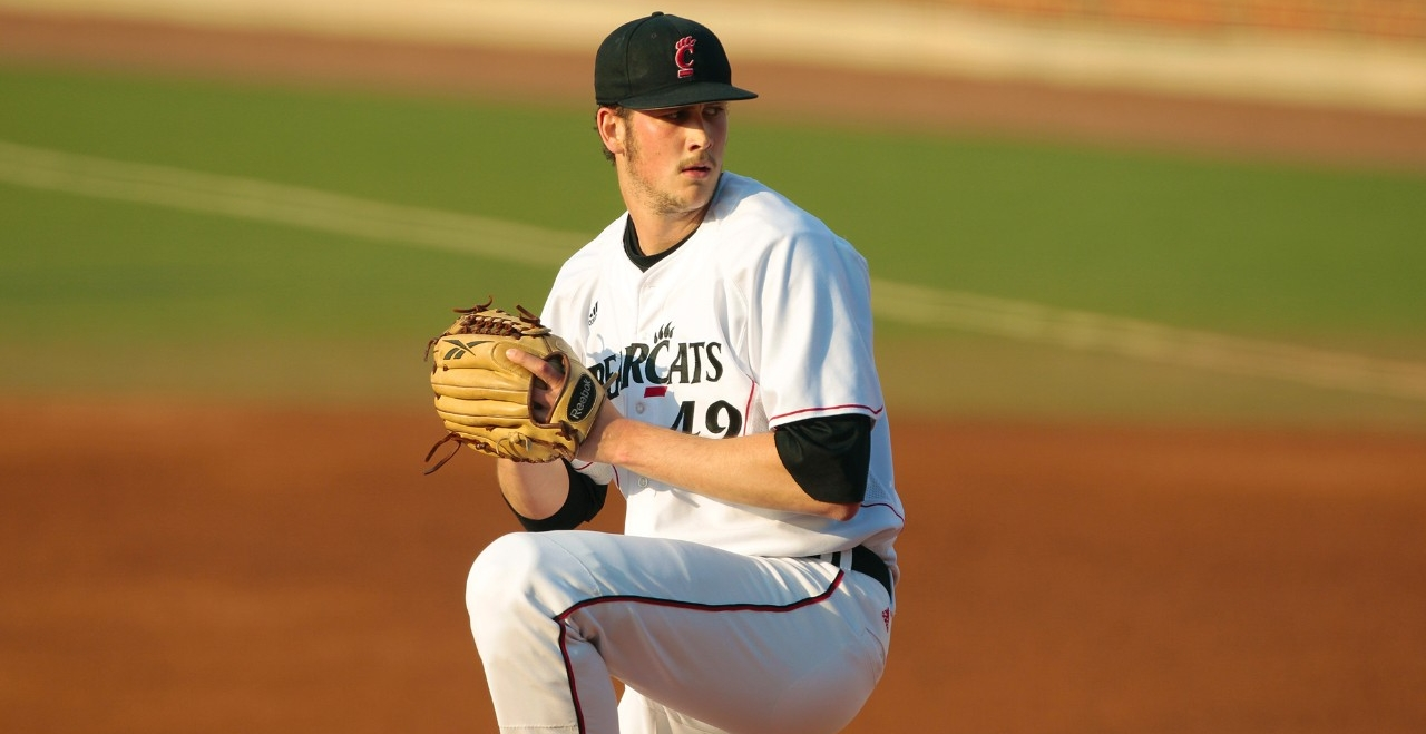 Dan Jansen pitching for the Bearcats