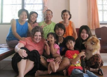 Julia Schulkers (front left) with her Thai family
