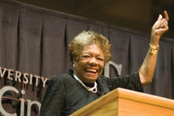 Maya Angelou greets UC admirers.  photo/Dottie Stover