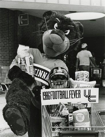 UC Bearcat, 1986
