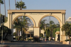 front gates at Paramount Studios