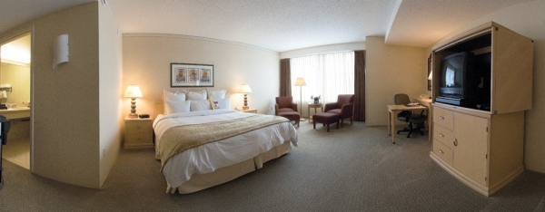 An expansive view of a room available at the Kingsgate Marriott Conference Center.