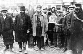 Jews in the ghetto market  in Czestochowa.