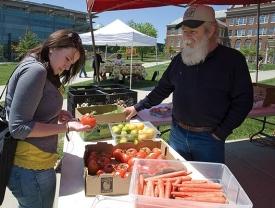 Gwen Davis at farmers market at UC