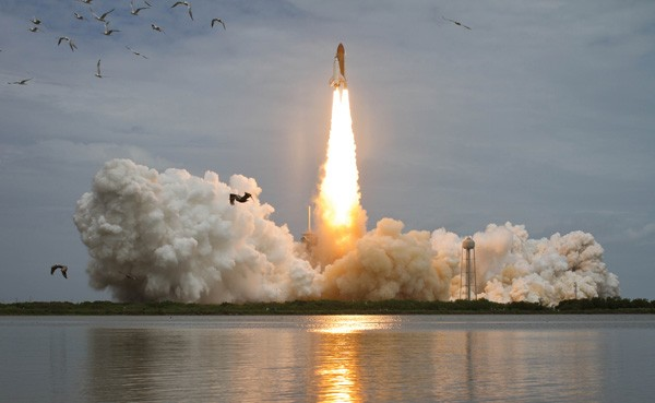 Atlantis blasts off from Florida's Kennedy Space Center. photo/NASA/Bill Ingalls