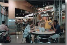 MarketPointe's marché-style dining photo/Lisa Ventre