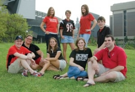 Student Alumni Council members collectively spanning nearly a decade and a half gathered on campus this fall. Top row from left: Savina Ross, CAHS '06; Jenna Yoder, Bus '10; Rachel Brookbank, Ed '08; Brad Johnson, DAAP '08. Bottom row from left: David Slack, Eng '98; Tami Lanham, Ed '97, '00; Anna Godby, Bus '06; Christina Wagner, Bus '06; Drew McKenzie, Bus '05.