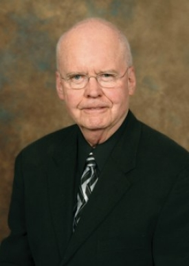 UC grad James Winkle, Pharm '58, recently pledged $10 million to the UC College of Pharmacy.