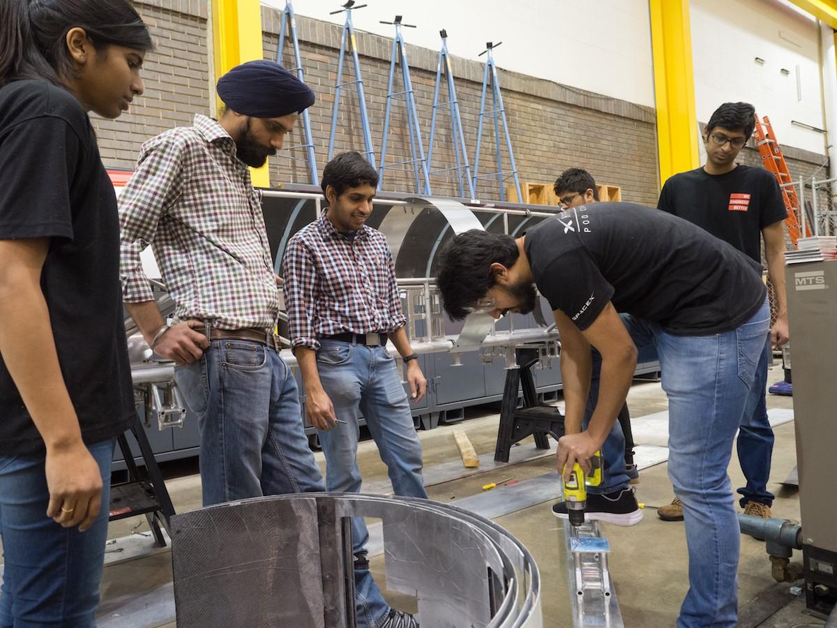 Hyperloop UC team